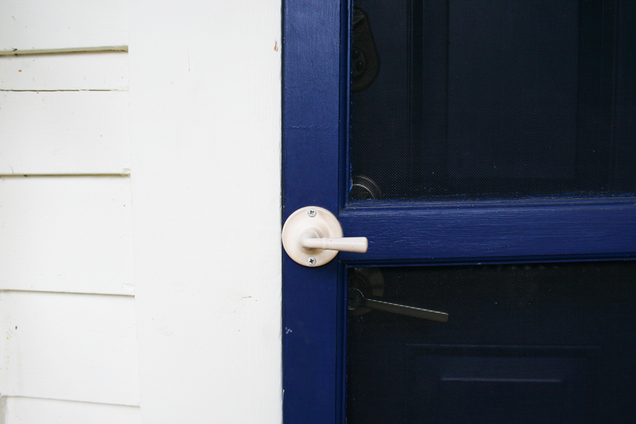 blue-door-white-knob-catskills-new-york