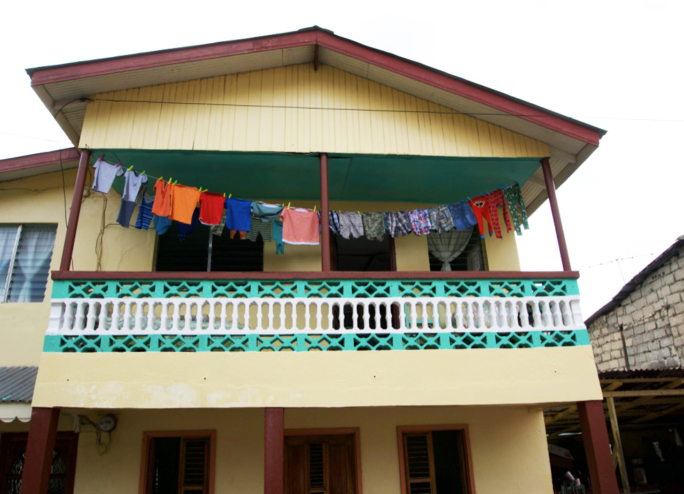 yellow-house-drying-clothes-soufriere-saint-lucia