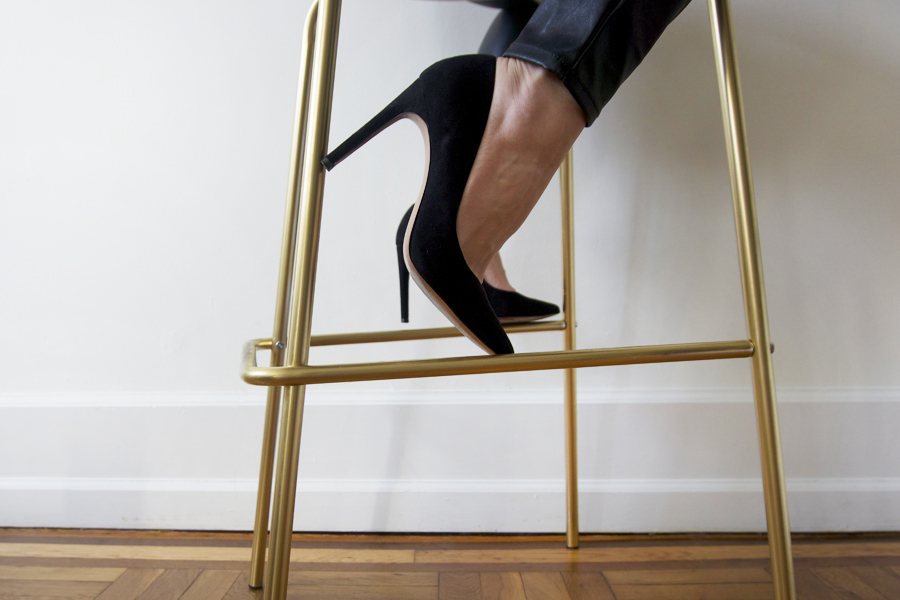 black-pumps-diy-gold-bar-stools