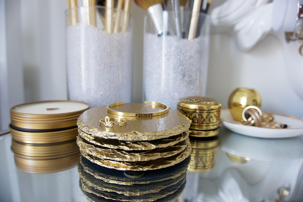 How to Decorate Your Home with These Gold Slate Coasters (& receive 10% off!)