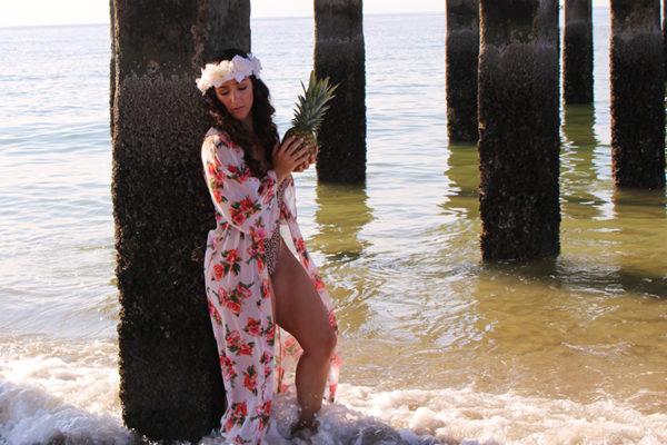 CURVY-bikini-model-pineapple-15