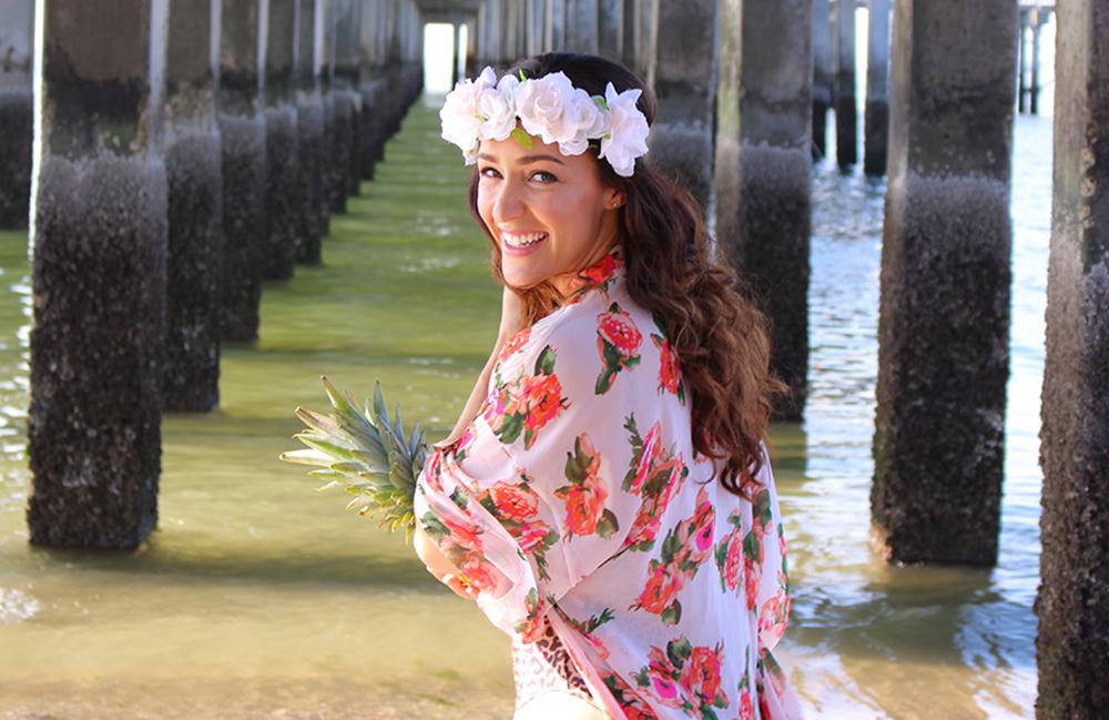 CURVY-bikini-model-pineapple-22