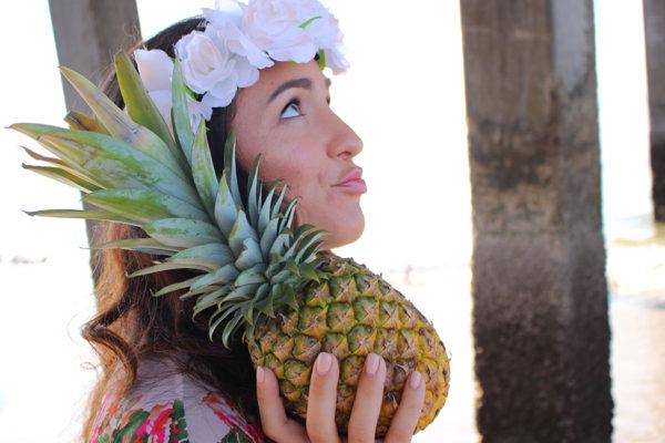 CURVY-bikini-model-pineapple-5