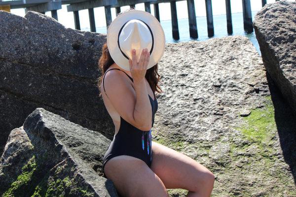 curvy-model-swimsuit-beach-photoshoot-12
