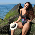 curvy-model-swimsuit-beach-photoshoot