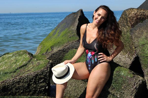 curvy-model-swimsuit-beach-photoshoot