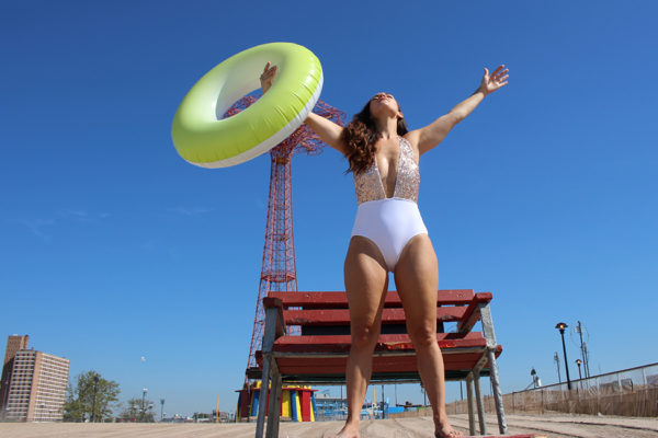 plus-size-model-beach-shoot-10