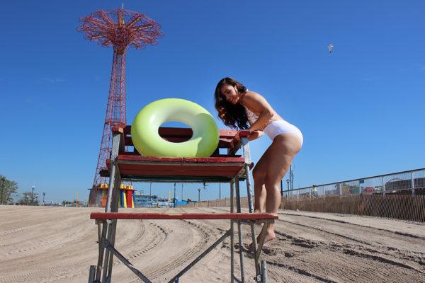 plus-size-model-beach-shoot-11