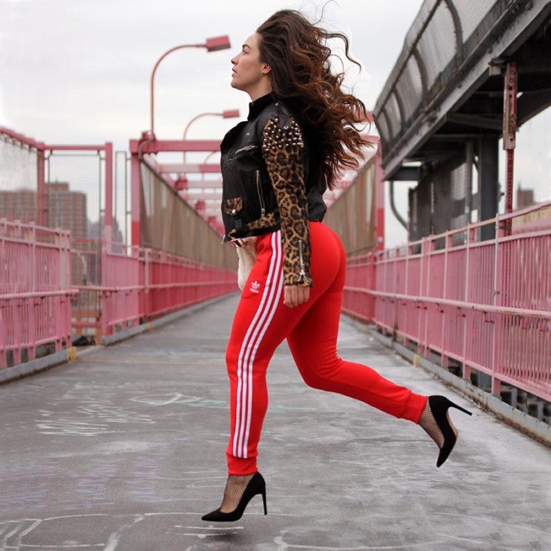 Preceder Generador giro  Valentine's Day: A Curvy Girl's Guide to Wearing Sweatpants | Merideth  Morgan