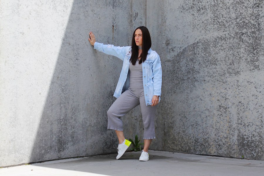 tobi-clothing-oversized-denim-jacket-neon-sneakers-1