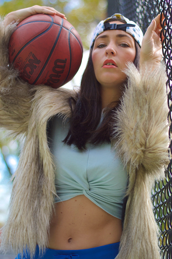 curvy-basketball-player
