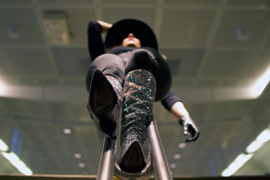 wide-brim-hat-rhinestone-boots